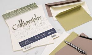 La gamma Calligraphy è disponibile anche in pergamena, con numerose tonalità classiche per una comunicazione elegante.