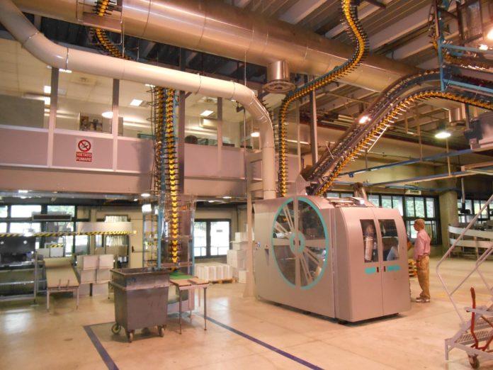 Impianto di aspirazione connesso a tamburo di taglio realizzato da New Aerodinamica per RCS.
