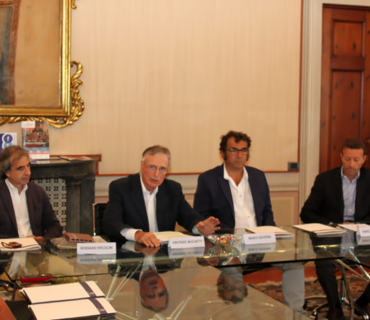 Presenti alla presentazione del progetto, da sinistra, Rossano Ercolini (Zero Waste Europe), Vincenzo Muchetti (Serv.-Eco.), Marco Severini (Selene spa) ed Enrico Fontana (Lucense).