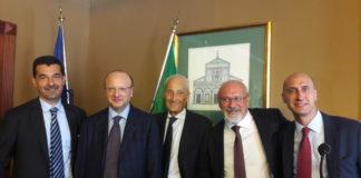 Da sinistra Massimo Medugno di Assocarta, Vincenzo Boccia, il diretto uscente di Assografici Claudio Covini e il direttore neoeletto Maurizio d'Adda e Andrea Briganti di Acimga.